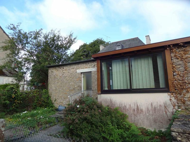Sale house / villa Saint nicolas du pelem 29800€ - Picture 2