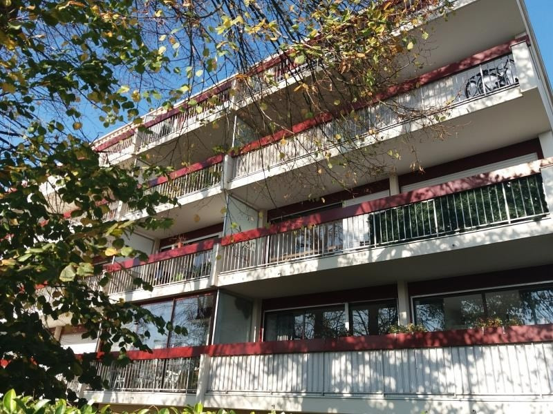 Rental apartment Talence 725€ CC - Picture 1