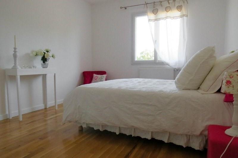 Deluxe sale house / villa Morancé 745000€ - Picture 7