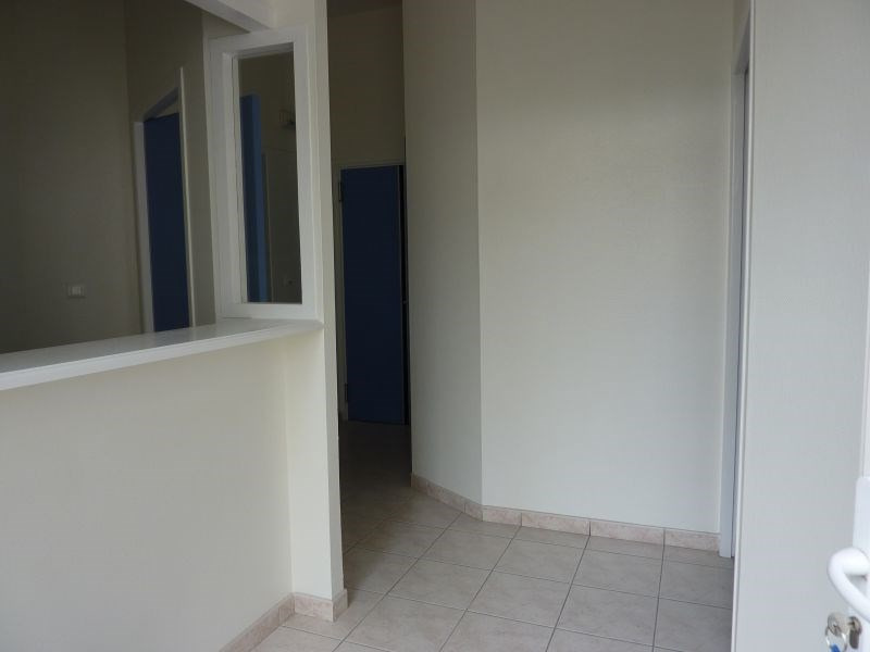 Sale empty room/storage Pontivy 205 000€ - Picture 1