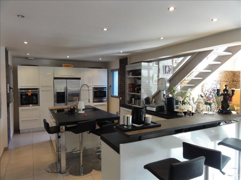 Deluxe sale house / villa Montfort l amaury 970000€ - Picture 2