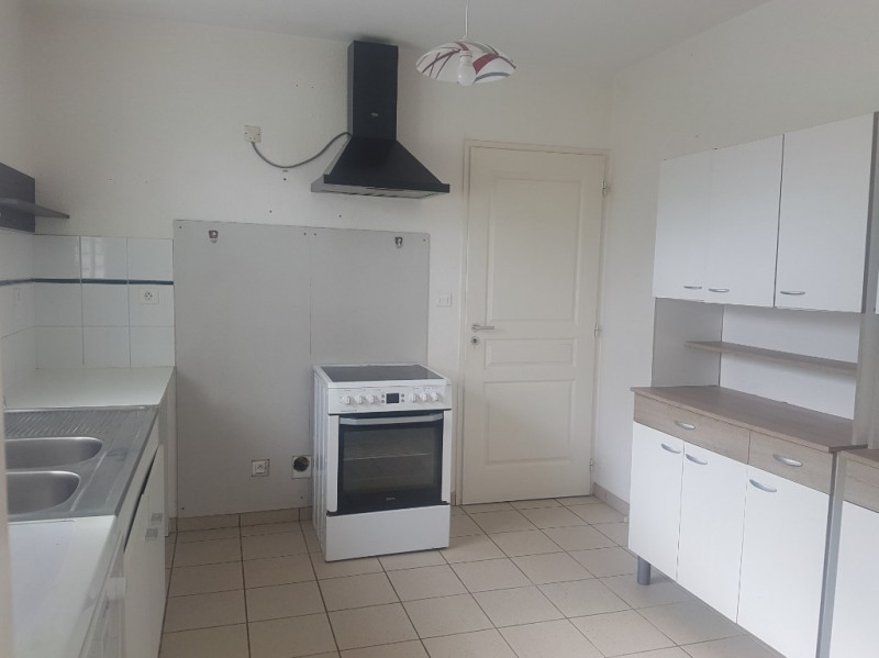 Location maison / villa Aire sur l adour 710€ CC - Photo 2