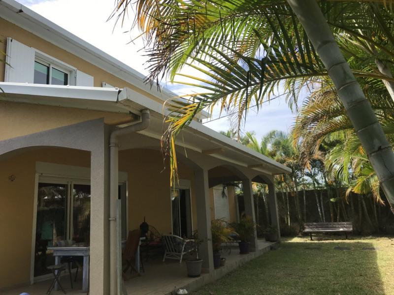 Sale house / villa Petite ile 296800€ - Picture 8