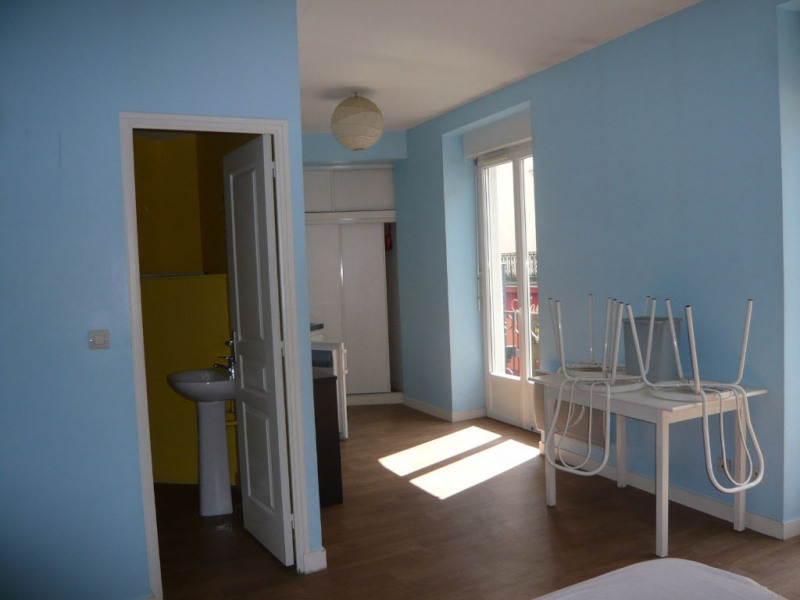 Investment property building Laval 303880€ - Picture 9