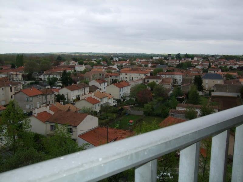 Location appartement Niort 386€ CC - Photo 3