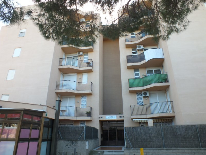 Location vacances appartement Rosas-santa margarita 456€ - Photo 1