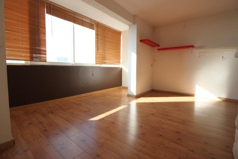 Rental apartment Marseille 850€ CC - Picture 1