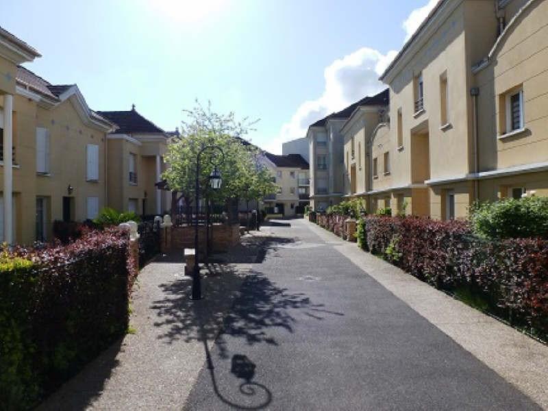Rental apartment Elancourt 799€ CC - Picture 1