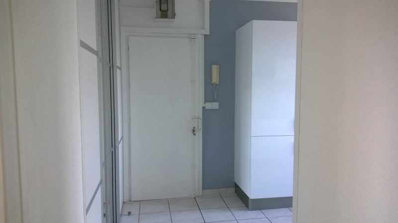 Location appartement Ville-la-grand 1167€ CC - Photo 14