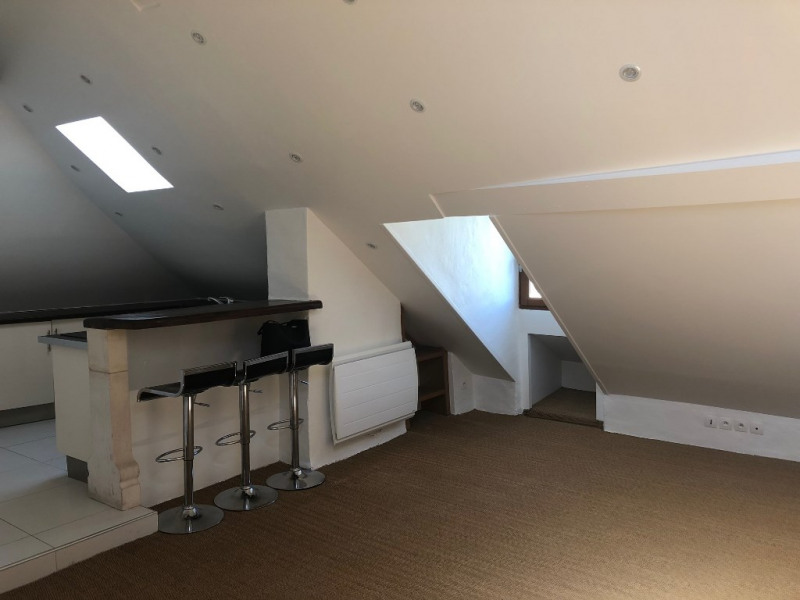 Location appartement St germain en laye 1 075€ CC - Photo 2