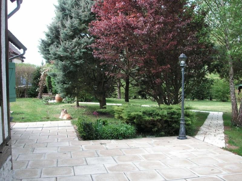 Sale house / villa Breval proche 405000€ - Picture 4