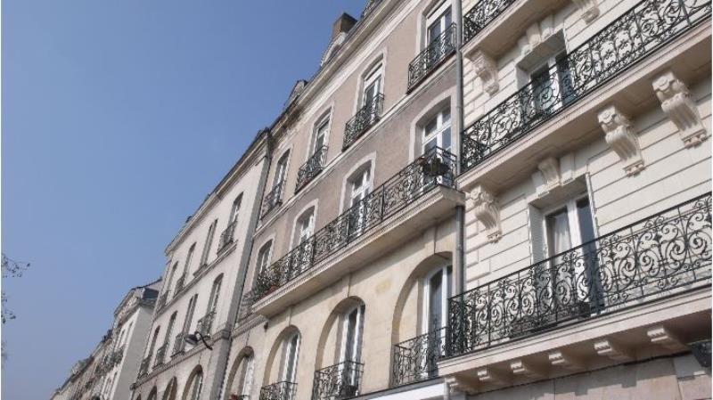 Location appartement Nantes 858€ CC - Photo 1