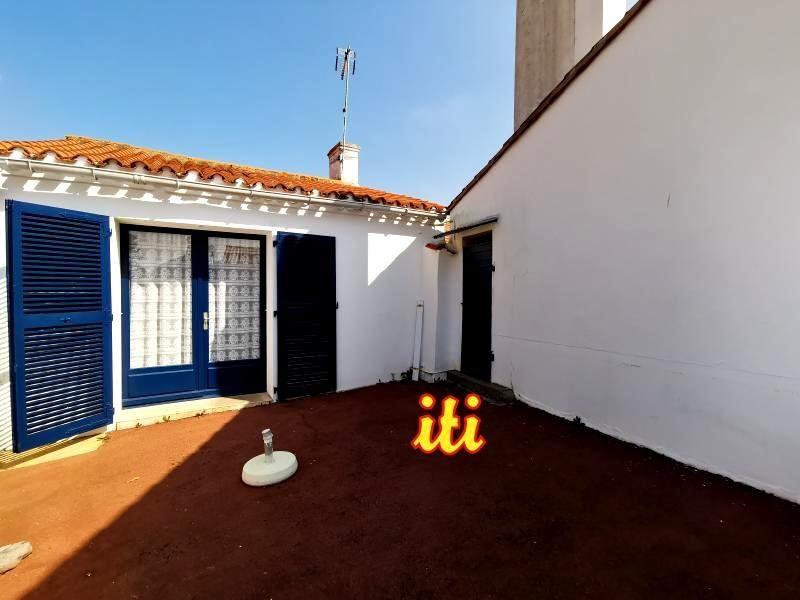 Sale house / villa Chateau d'olonne 157000€ - Picture 1