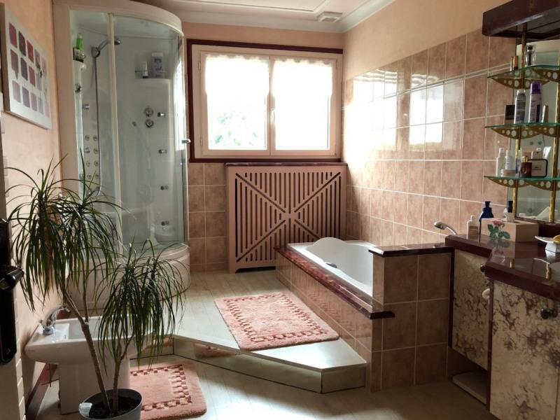 Sale house / villa Craon 332800€ - Picture 8