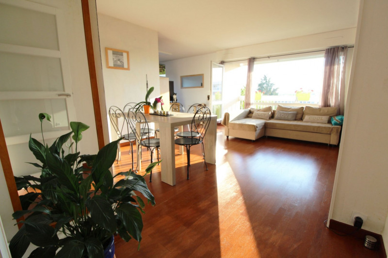 Sale apartment Elancourt 257250€ - Picture 2