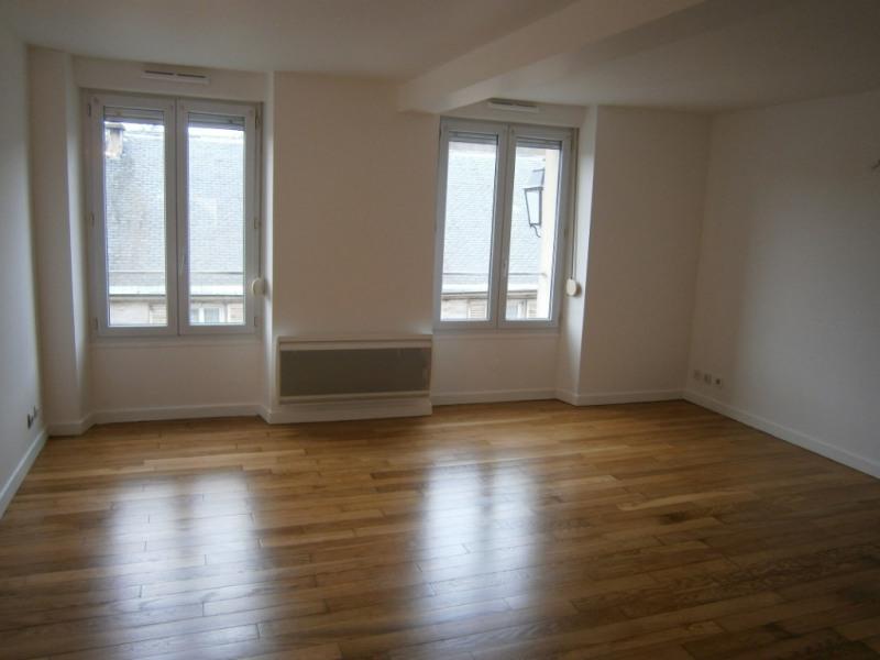 Sale apartment Buc 225000€ - Picture 1
