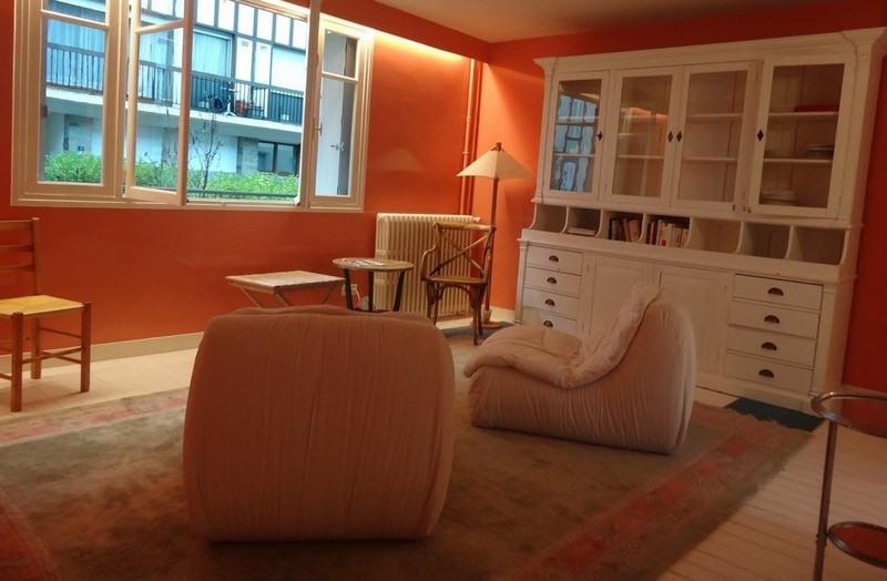 Verkoop van prestige  appartement Deauville 371000€ - Foto 2