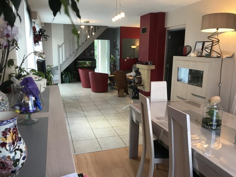 Investment property house / villa Fontaine le comte 239000€ - Picture 1