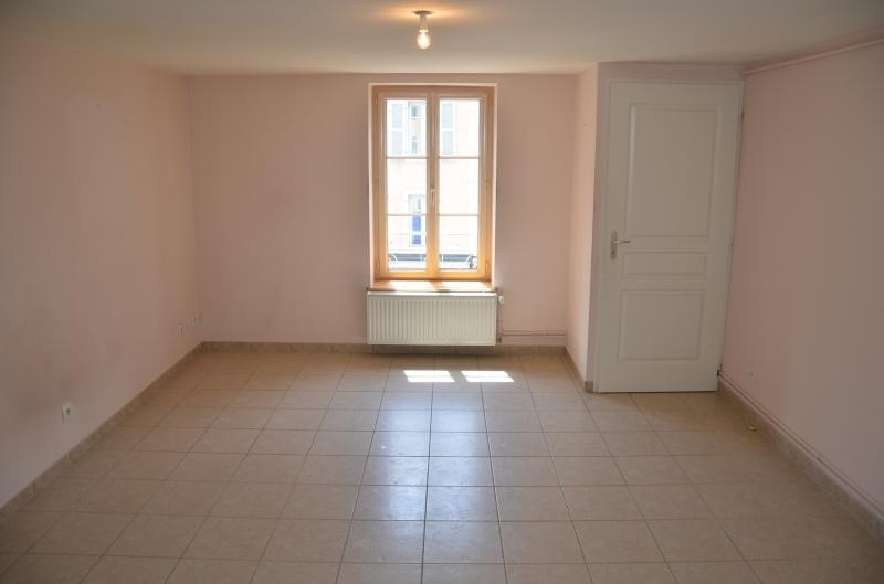 Location appartement Nantua 410€ CC - Photo 1