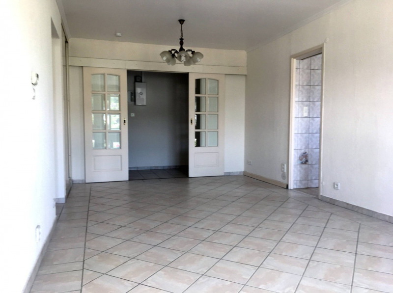 Sale apartment Annemasse 215000€ - Picture 3