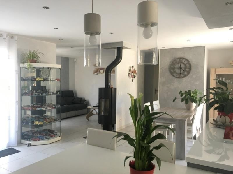 Sale house / villa Bourgoin jallieu 249000€ - Picture 3