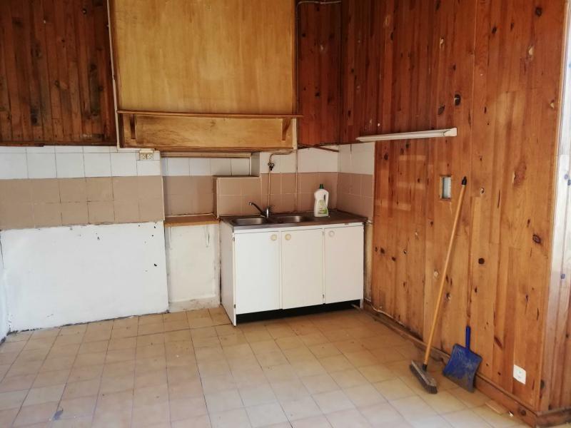Sale house / villa Cleguerec 74300€ - Picture 2