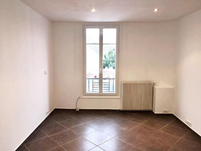 Location appartement Colombes 940€ CC - Photo 2