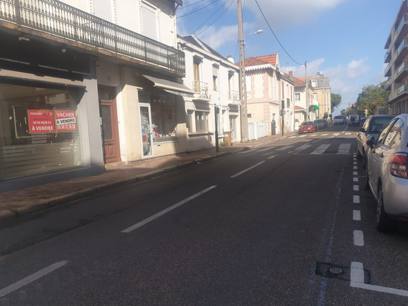 Sale empty room/storage Arcachon 262 500€ - Picture 1