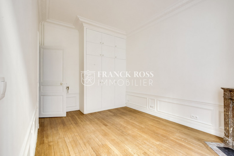 Location appartement Paris 17ème 3 500€ CC - Photo 8