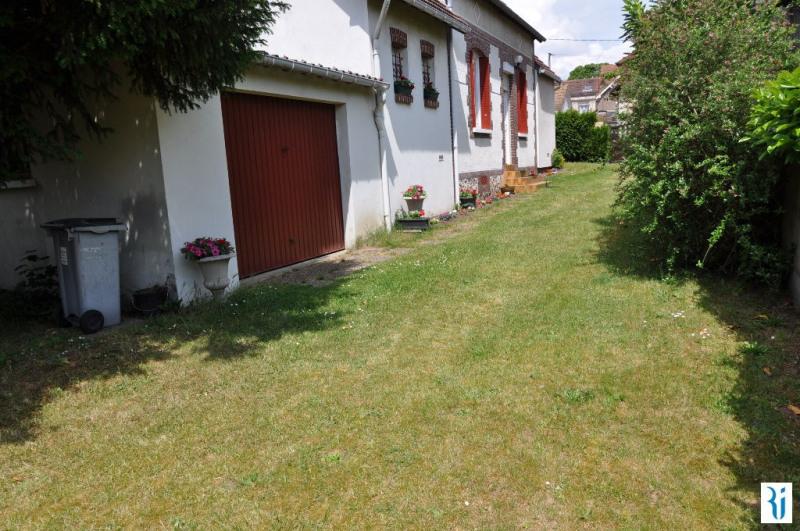 Sale house / villa Saint etienne du rouvray 140000€ - Picture 3