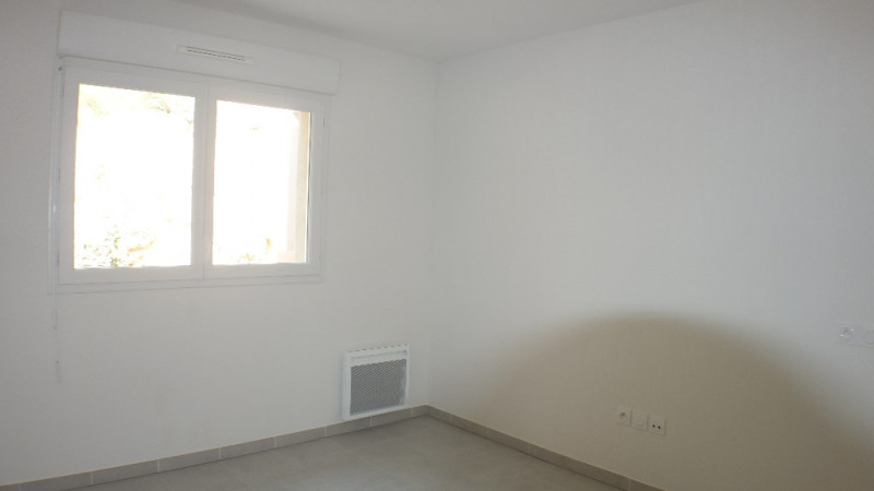 Locação apartamento Londe les maures 633€ CC - Fotografia 6