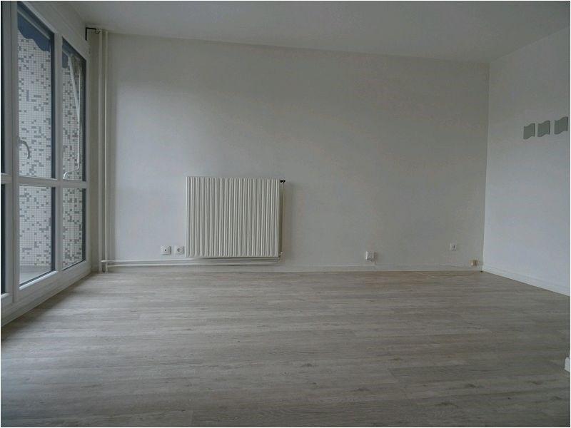 Rental apartment Ris orangis 618€ CC - Picture 1