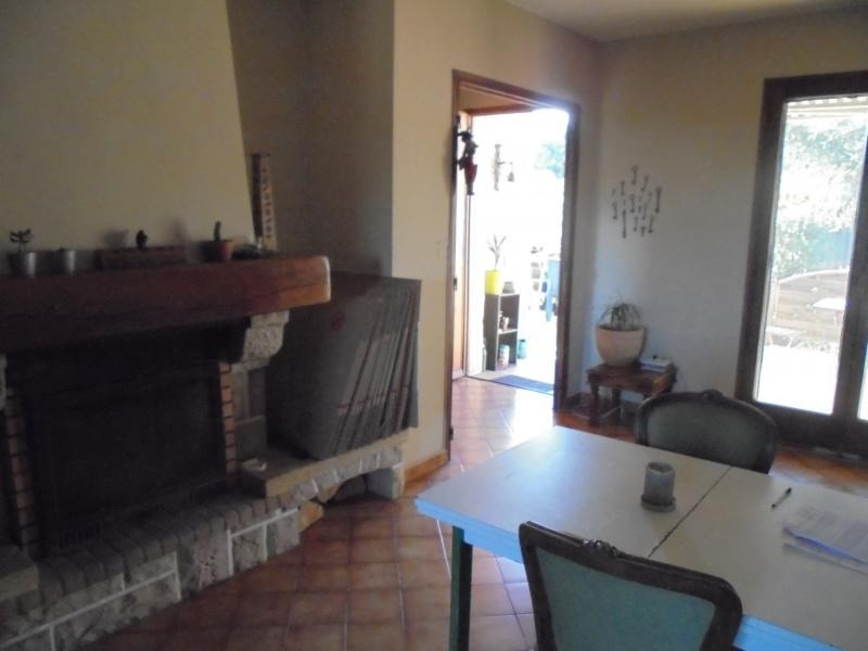 Investment property house / villa Saturargues 208000€ - Picture 4