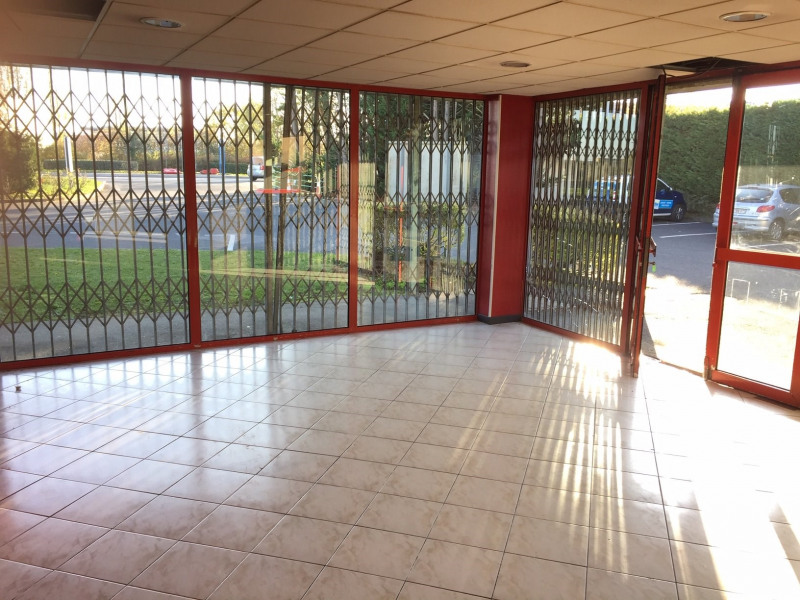 Sale empty room/storage Mennecy 200 000€ - Picture 2