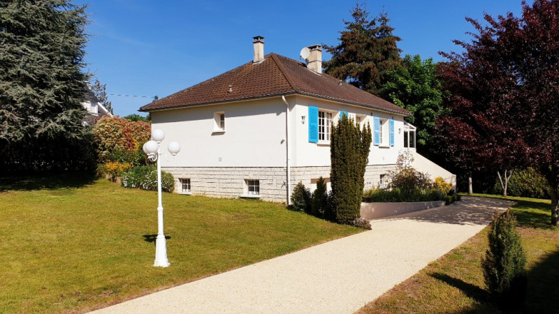 Sale house / villa Montfort-l'amaury 385 000€ - Picture 1