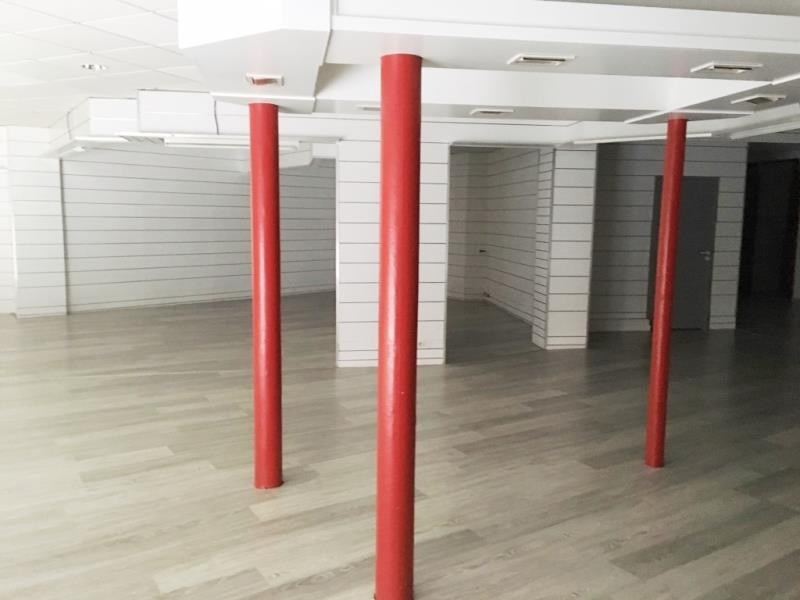 Vente local commercial Fougeres 230250€ - Photo 2