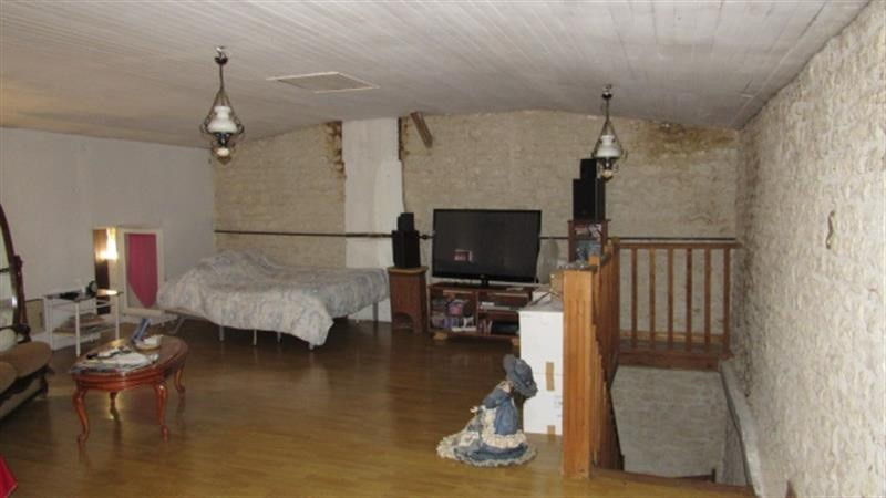 Sale house / villa Saint-denis-du-pin 127500€ - Picture 4