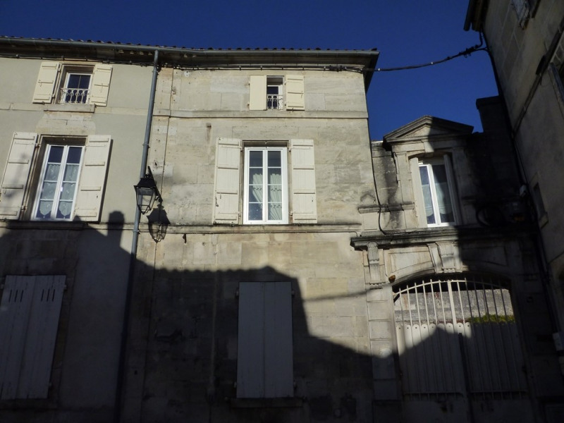 Sale apartment Cognac 104 000€ - Picture 1