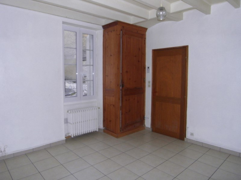 Location maison / villa Cognac 320€ CC - Photo 3