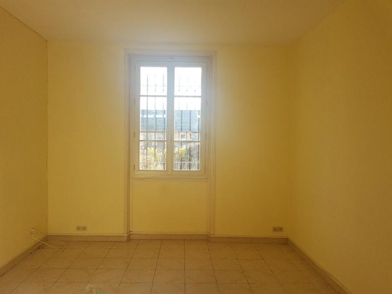 Location appartement Saint germain en laye 1060€ CC - Photo 2