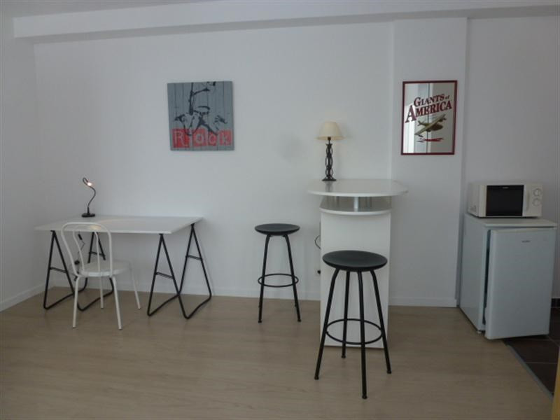 Rental apartment Fontainebleau 921€ CC - Picture 3