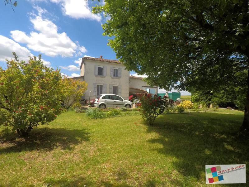 Sale house / villa Angeac champagne 171200€ - Picture 1