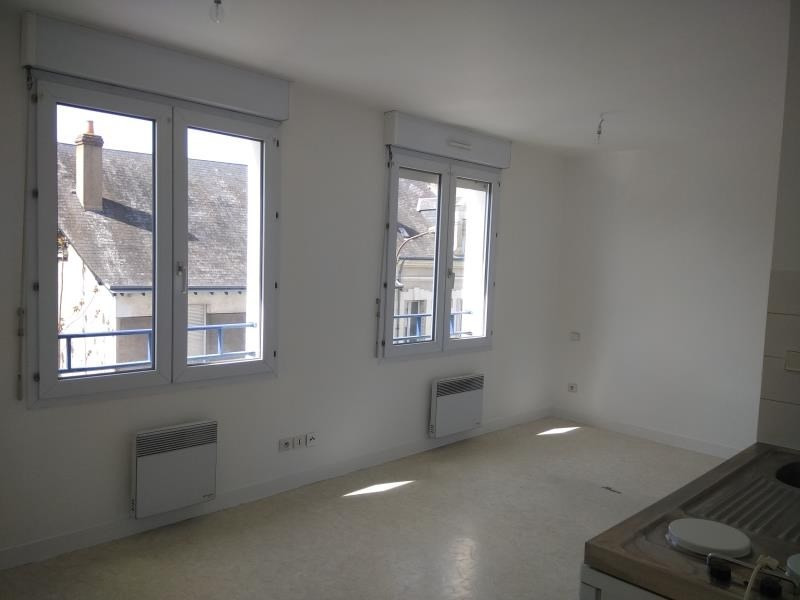 Rental apartment Vendome 300€ CC - Picture 1