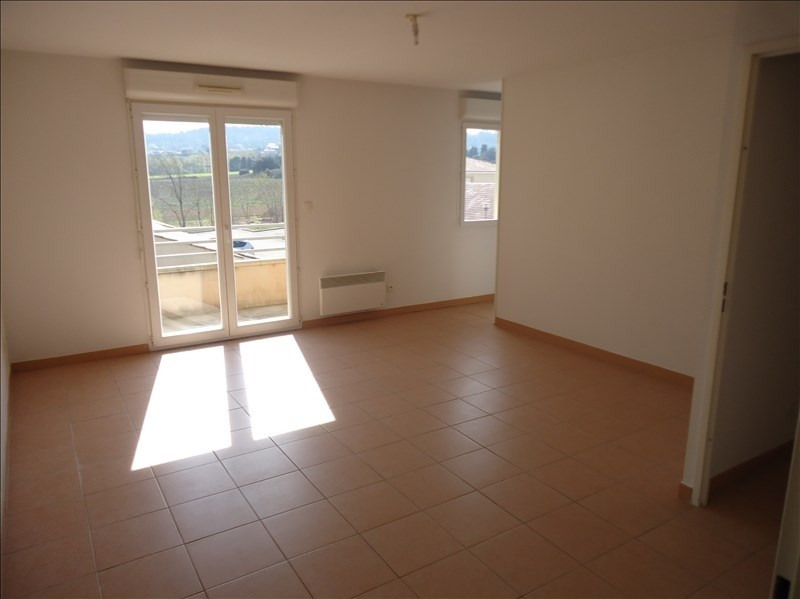 Location appartement Berriac 405€ CC - Photo 3