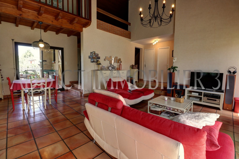 Vente maison / villa Gratentour 299880€ - Photo 2