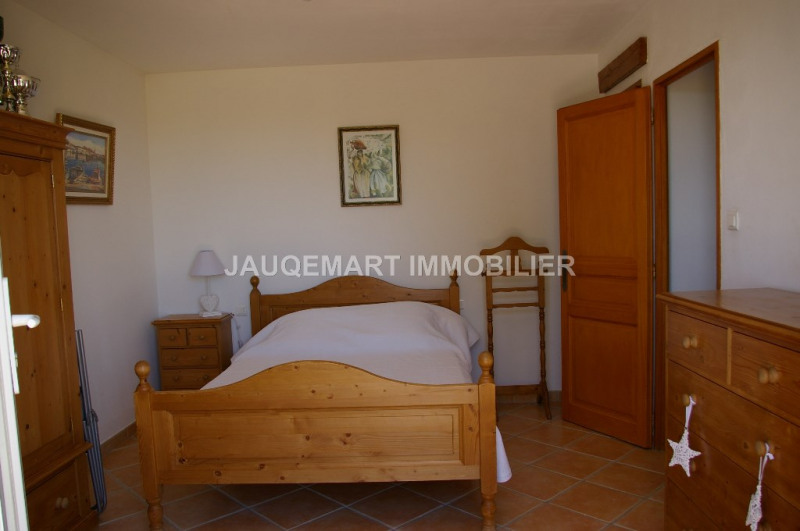 Vacation rental house / villa Lambesc 850€ - Picture 8