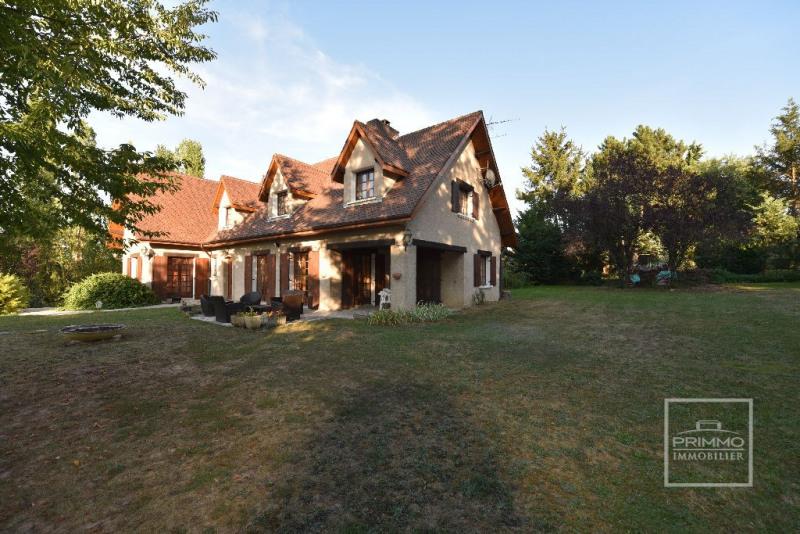 Deluxe sale house / villa Dommartin 650000€ - Picture 1