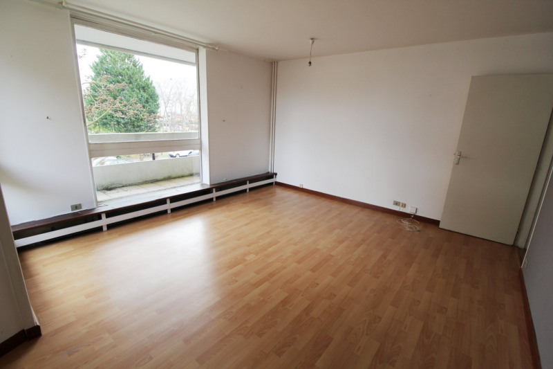 Location appartement Elancourt 783€ CC - Photo 2