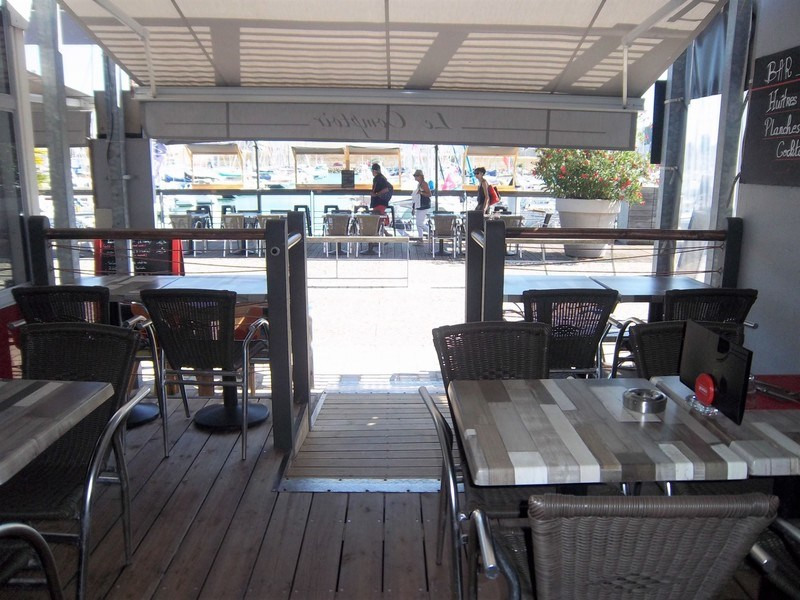 Commercial property sale shop Les sables-d'olonne 198 000€ - Picture 2