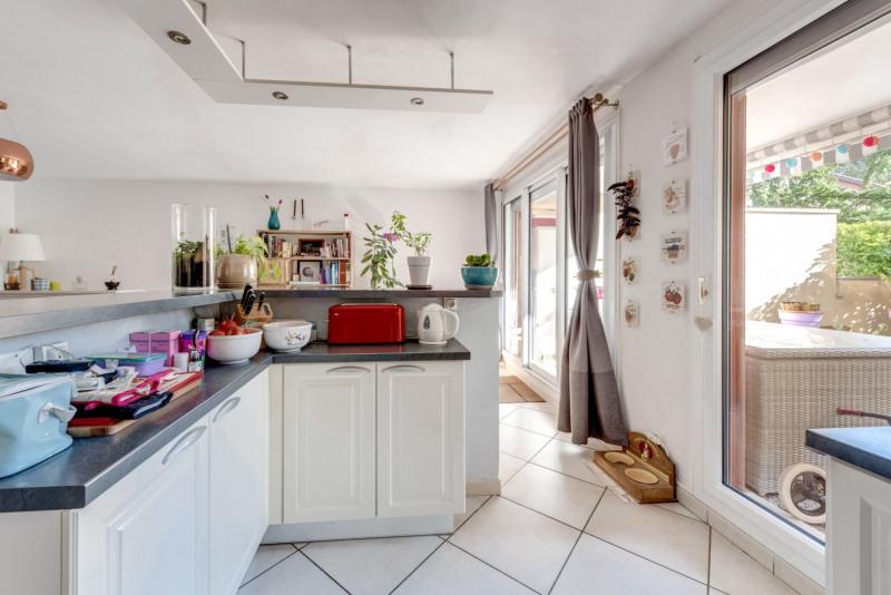 Sale apartment Tassin la demi lune 329000€ - Picture 5